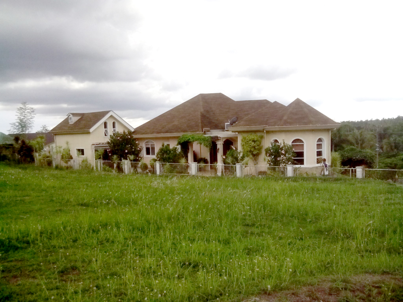 FOR SALE: House Batangas 10