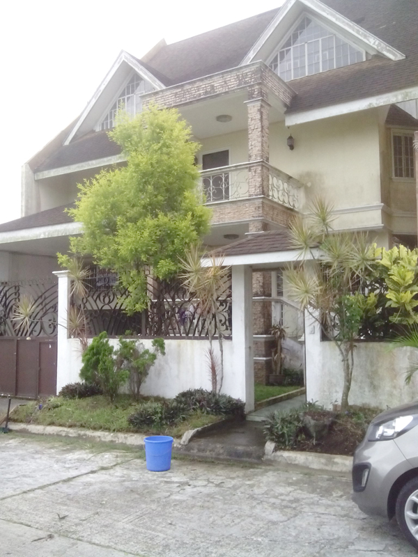 FOR RENT / LEASE: House Cavite 1