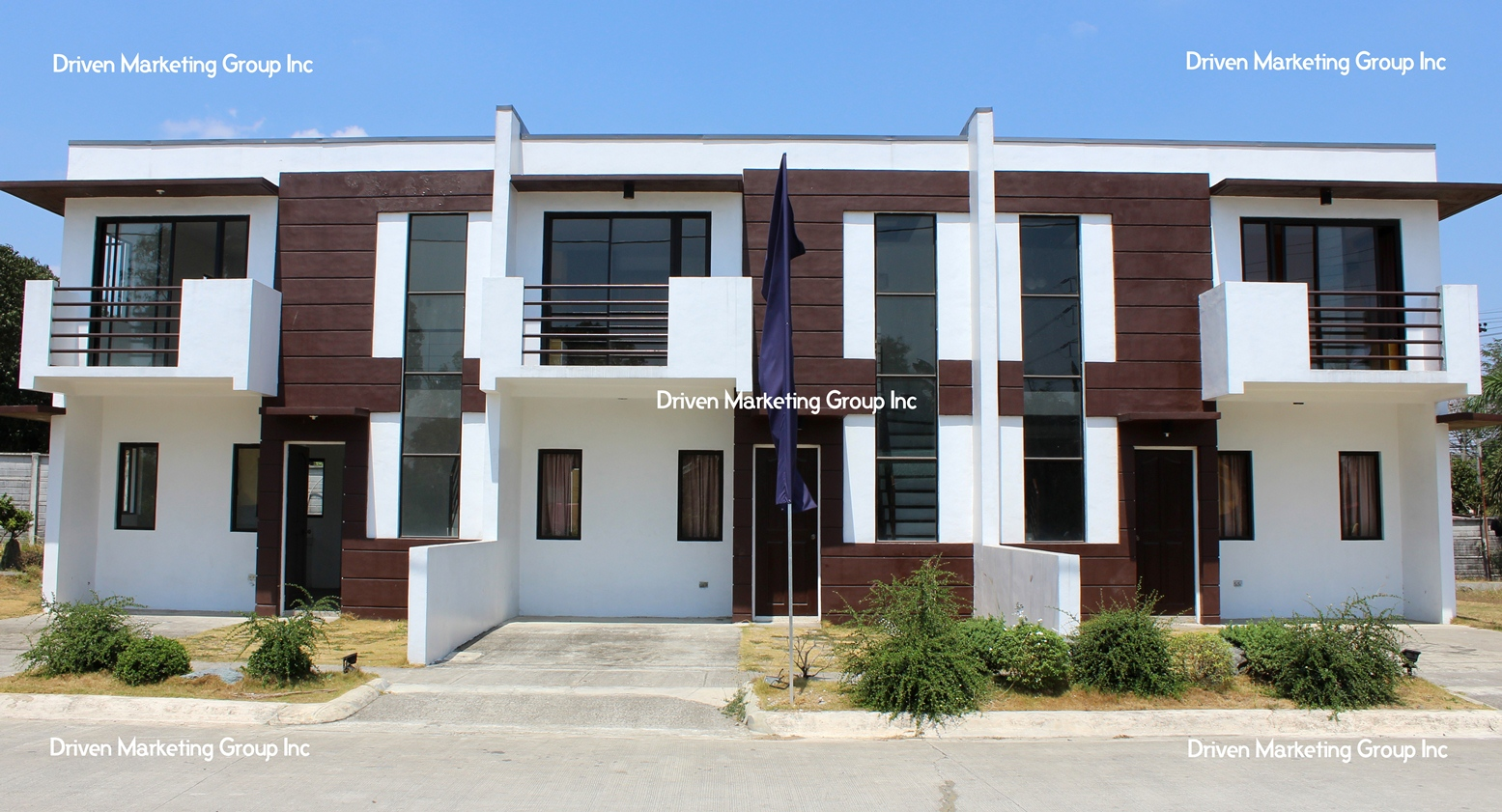Two (2) storey townhouse Regular Lot Area : 66 sq.m. Floor Area: 57 sq.m
