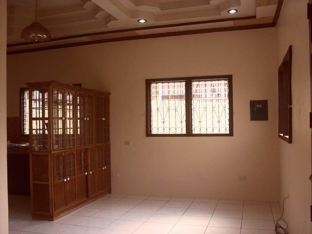 FOR SALE: House Davao >Davao City 10