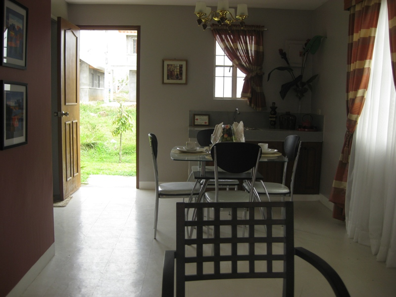 FOR SALE: House Batangas > Other areas 4