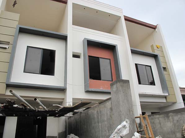 House in Sauyo Mindanao Avenue at 6.5M