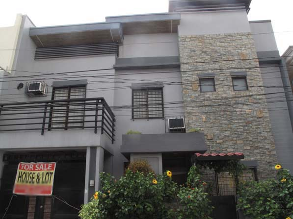 Elegant Pasig City Townhouse for Sale at 7.8M