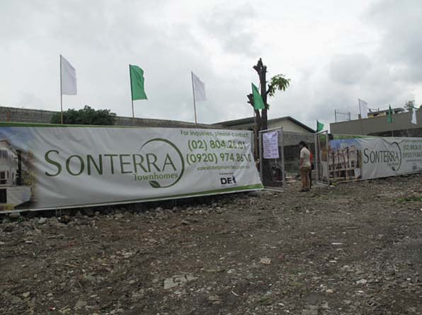 House and Lot in Sonterra at 4.590M