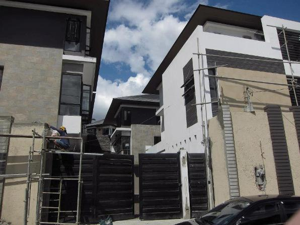 House and Lot in Quezon City at 22.5M