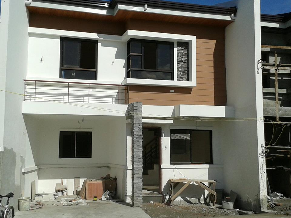 House and Lot in Tandang Sora at 3.827M