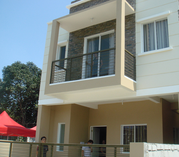Most Affordable Mindanao Avenue Townhouse for only 3.375M