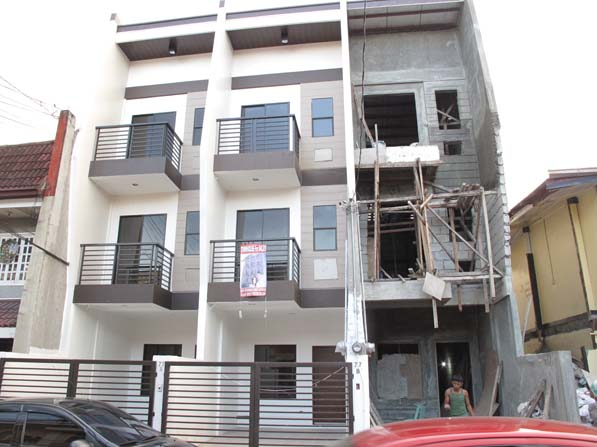 Townhouse in Teachers Village Quezon City at 6.1M