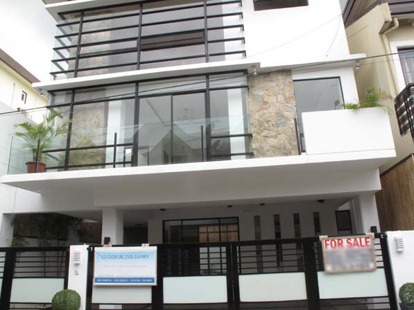 Pasig City Townhouse for Sale at 11.2M