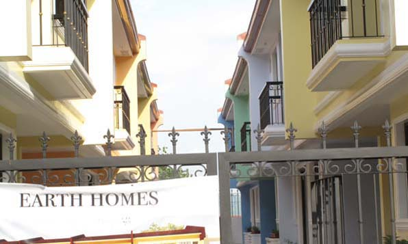 Quezon City Townhouse for Sale at 3.685M
