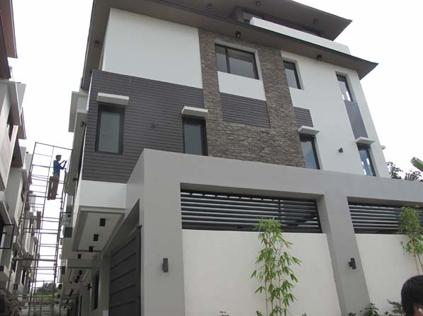 Cozy Quezon Area House at 23.5M