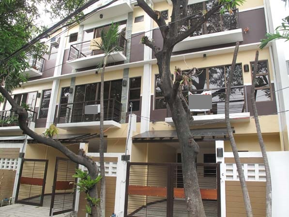 House and Lot in Marikina at 5.750M
