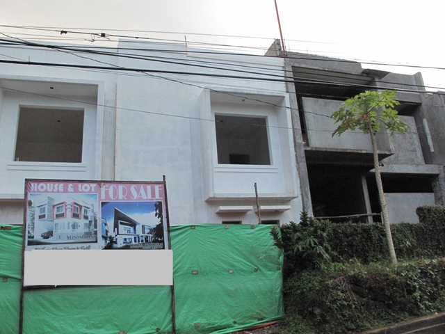 East Fairview Townhouse in Quezon City at 4.4M
