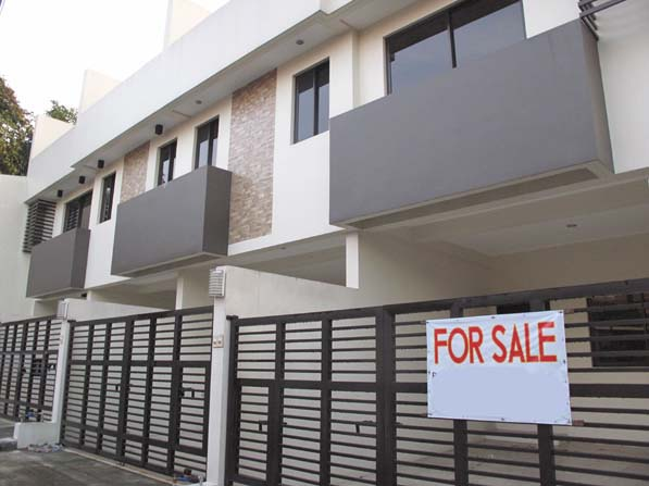 House for Sale in Tandang Sora at 7.2M