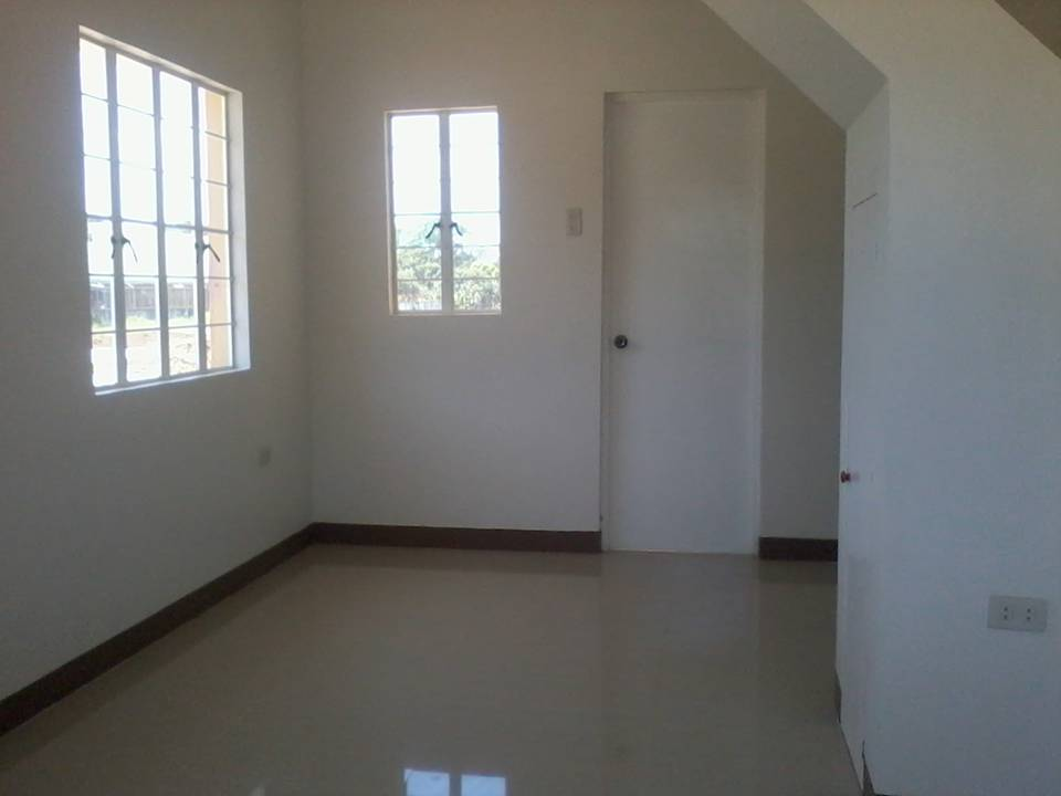FOR SALE: House Batangas > Batangas City 1