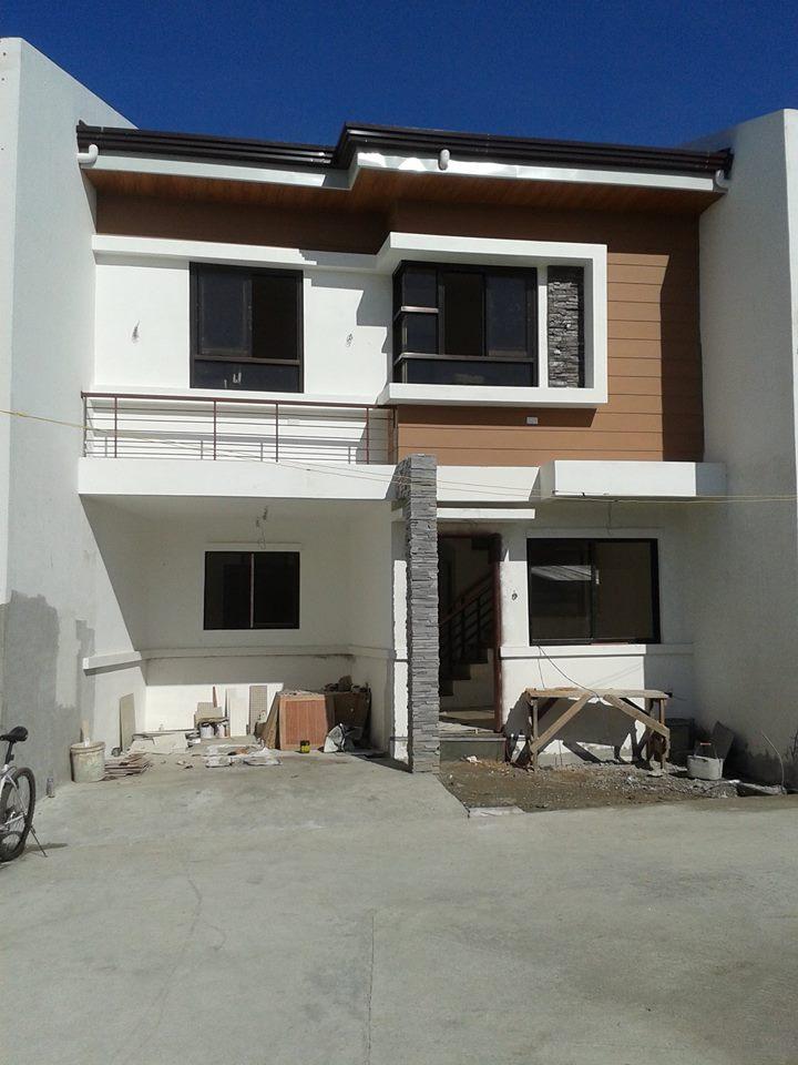 House and Lot in Tandang Sora at 3.780M
