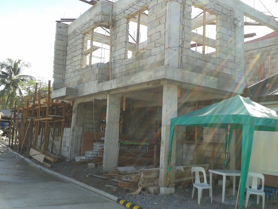 House and Lot in Tandang Sora at 3.780M