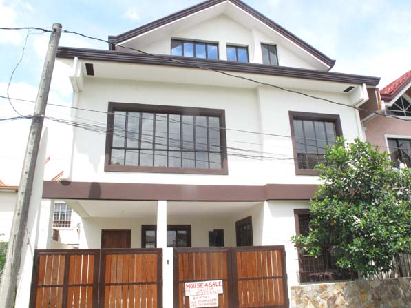 Classy House in Pasig Area at 6.5M
