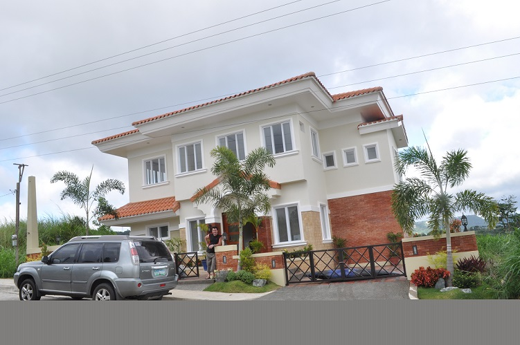 FOR SALE: House Tagaytay