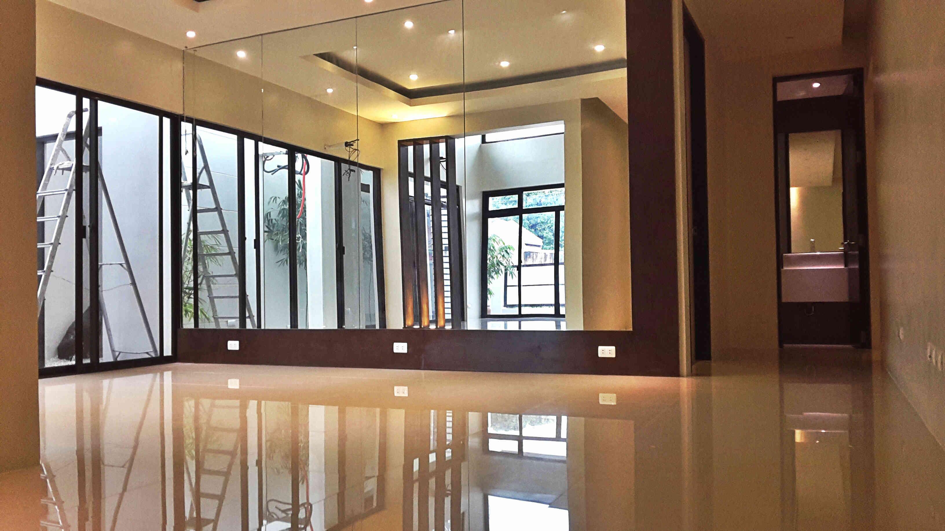 FOR SALE: House Manila Metropolitan Area > Las Pinas 1