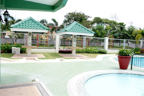 FOR SALE: Apartment / Condo / Townhouse Cavite > Dasmarinas 4