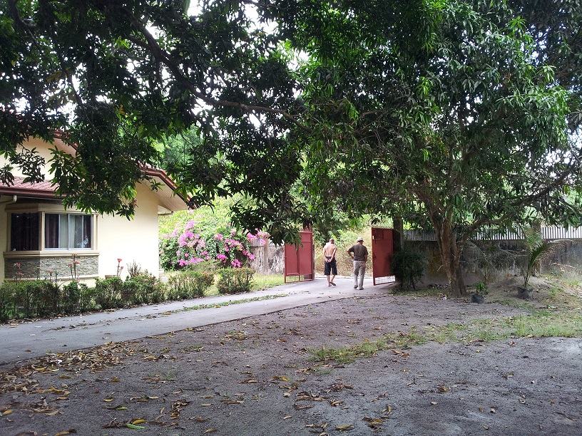 FOR SALE: House Zambales > Other areas 4
