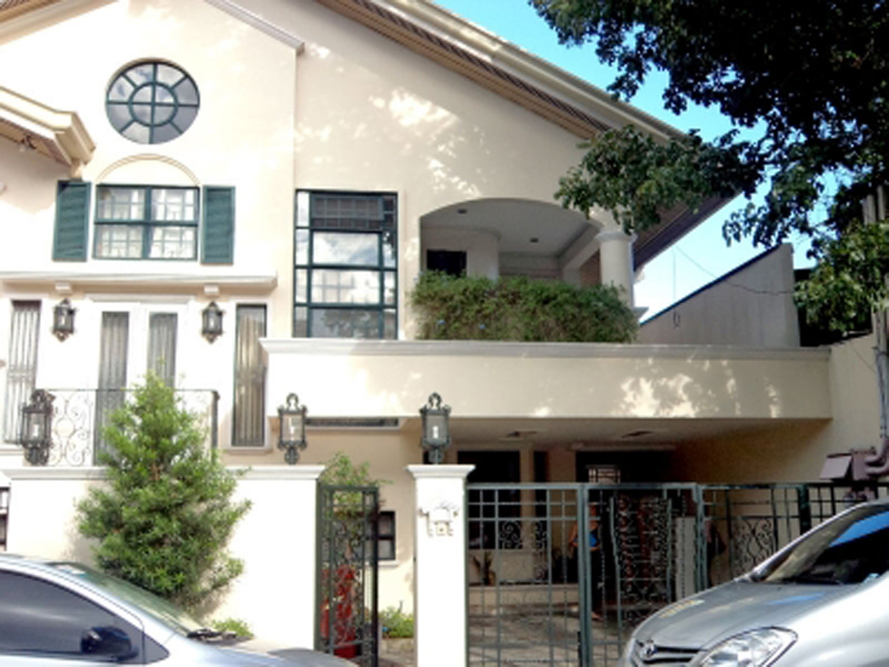 San Lorenzo Village Makati - House and Lots for Sale