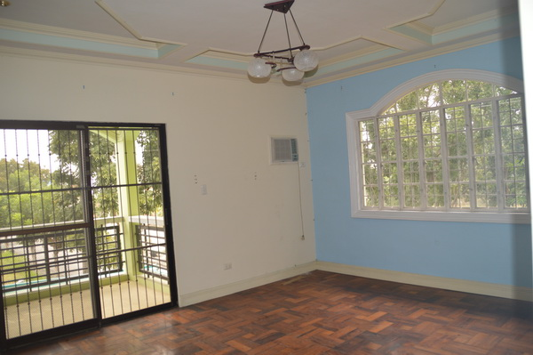 FOR SALE: House Pampanga > Other areas 5