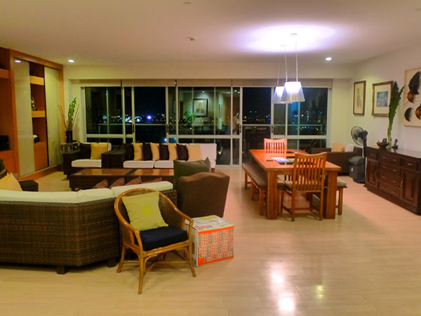 Regent Parkway, Fort Bonifacio - Condos for Sale