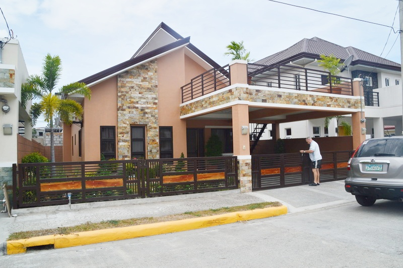 FOR RENT / LEASE: House Pampanga > Angeles City