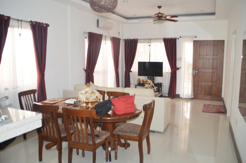 FOR RENT / LEASE: House Pampanga > Angeles City 1