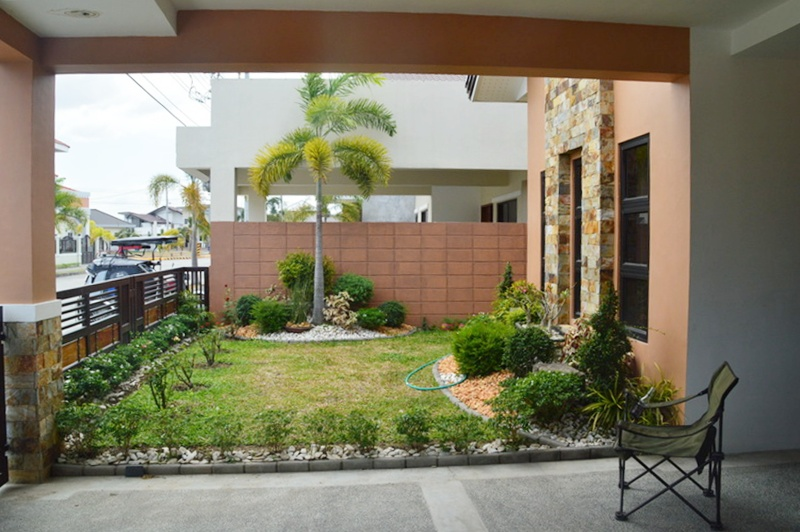 FOR RENT / LEASE: House Pampanga > Angeles City 4