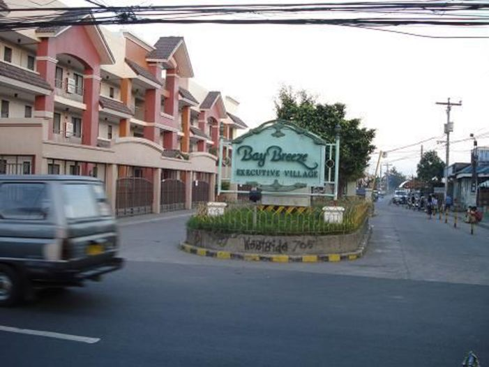 Baybreeze Executive Village Entrance