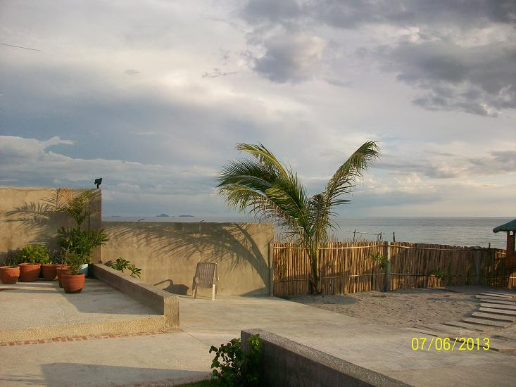 FOR SALE: Beach / Resort Zambales > Other areas 2