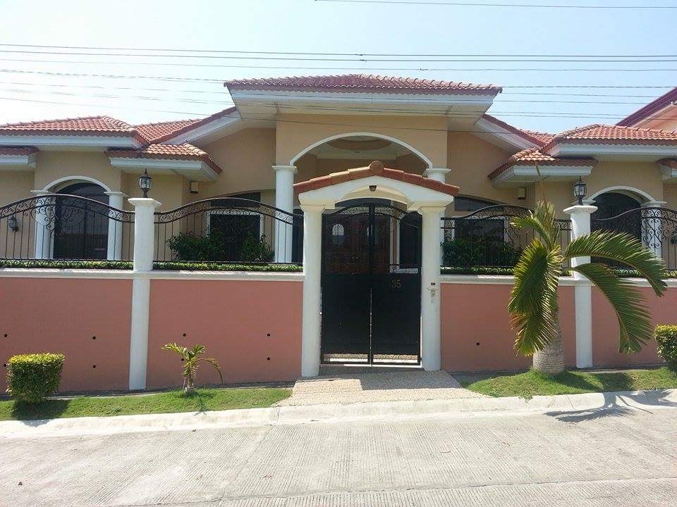 FOR SALE: House Davao >Davao City 1