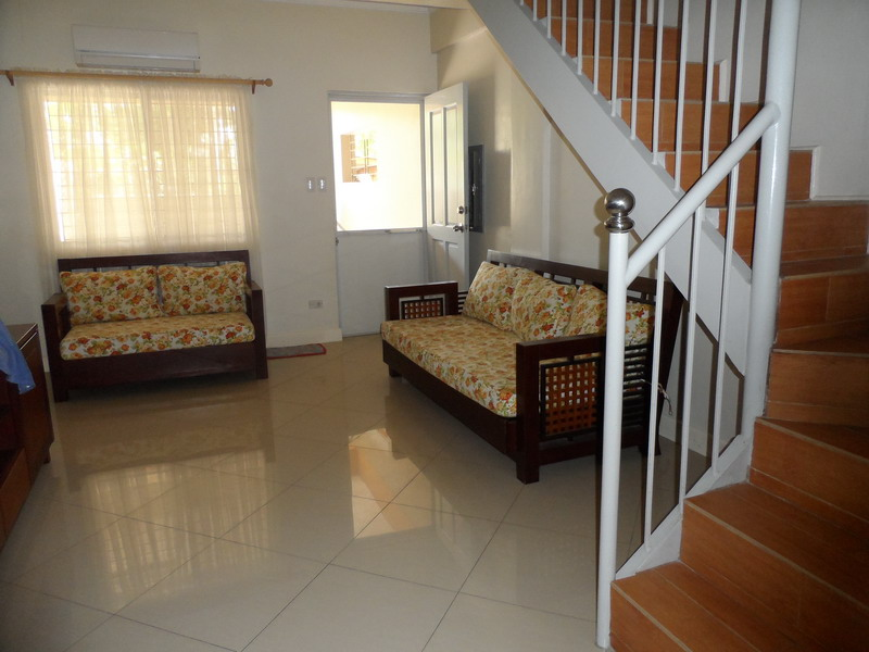 FOR RENT / LEASE: House Pampanga 4