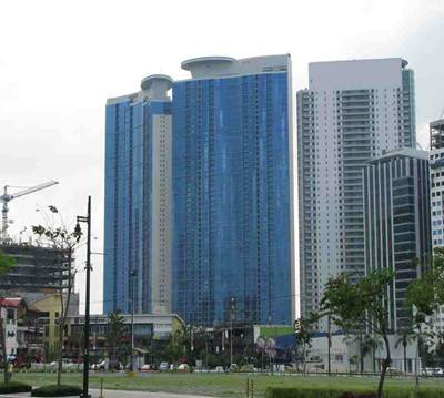 Pacific Plaza Towers Fort - List of Condos for Sale