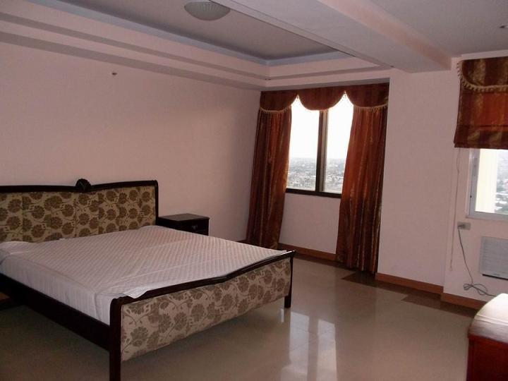 masters bedroom