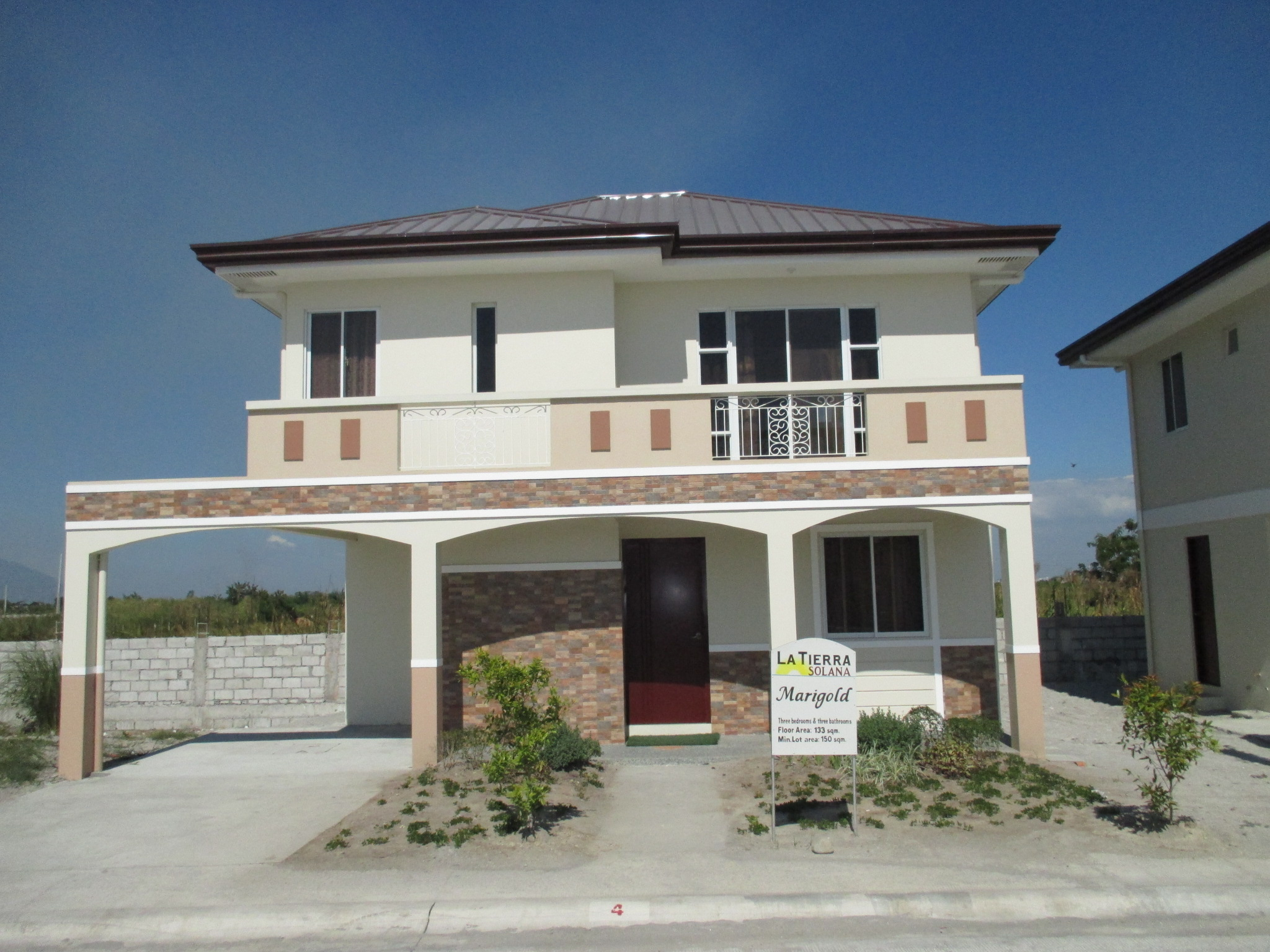 FOR SALE: Apartment / Condo / Townhouse Pampanga > Other areas