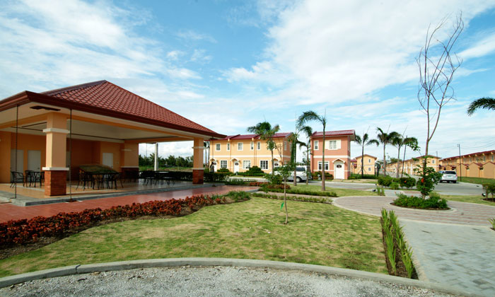 FOR SALE: Apartment / Condo / Townhouse Cavite > Bacoor 3