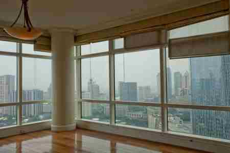 One Roxas Triangle Makati Condos for Sale