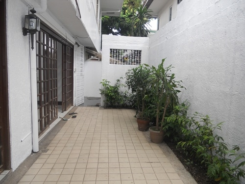 Magallanes Village Makati Houses for Rent