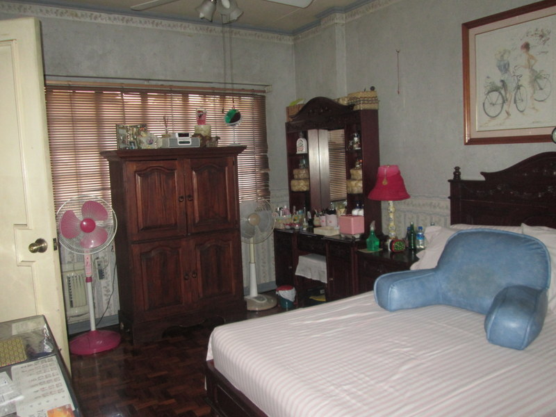 FOR SALE: Apartment / Condo / Townhouse Quezon 11