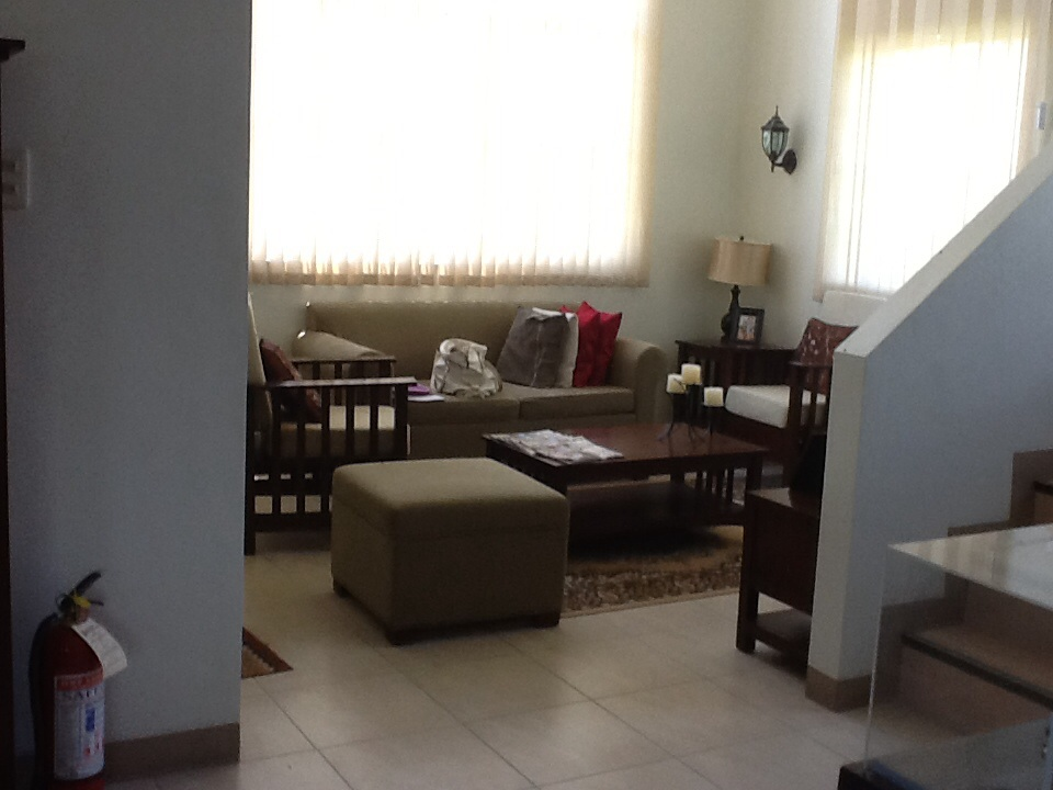 FOR SALE: House Tarlac 3