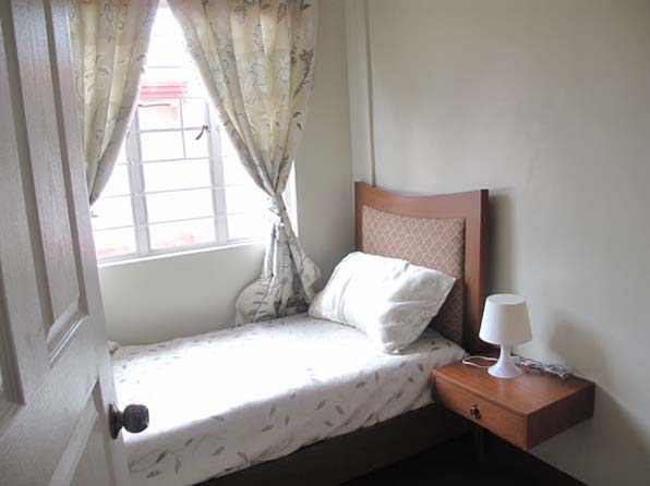 FOR SALE: Apartment / Condo / Townhouse Manila Metropolitan Area > Caloocan 5