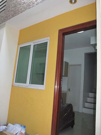 FOR SALE: Apartment / Condo / Townhouse Manila Metropolitan Area > Caloocan 4