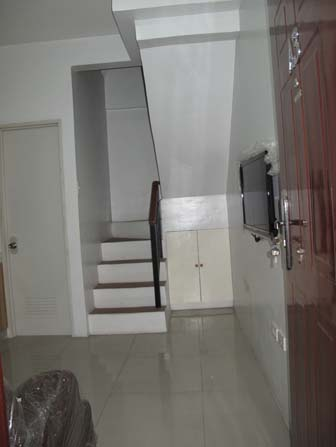 FOR SALE: Apartment / Condo / Townhouse Manila Metropolitan Area > Caloocan 6