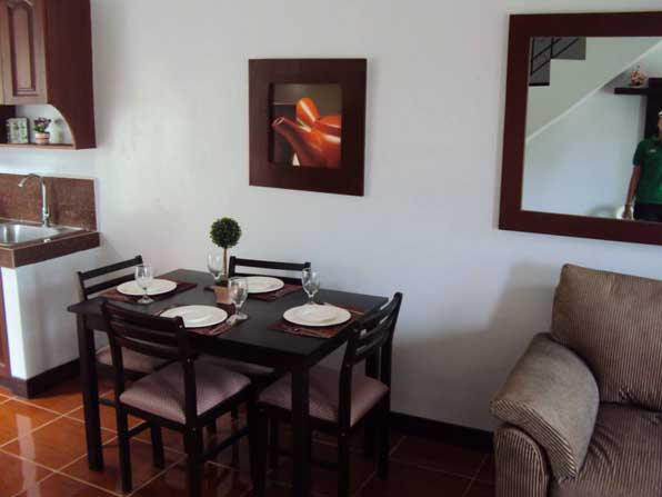 FOR SALE: Apartment / Condo / Townhouse Rizal > Antipolo 5