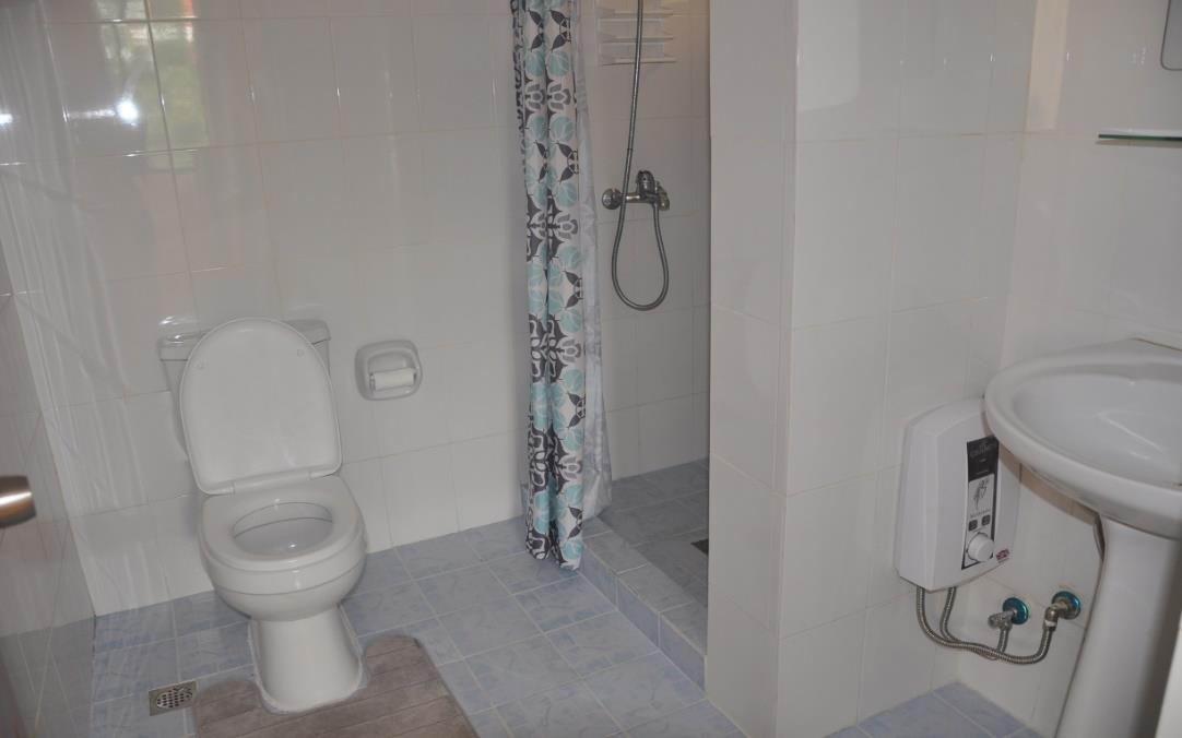 Toilet & Bath of 1BR
