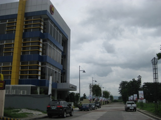FOR SALE: Office / Commercial / Industrial Manila Metropolitan Area > Quezon 2